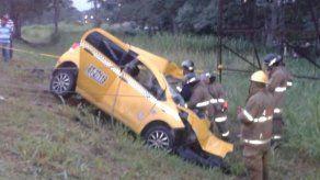 Taxista murió tras impactar con camión en la autopista Arraiján-La Chorrera