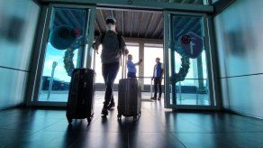 ATP: Turistas internacionales pueden circular durante toque de queda para trasladarse a sus sitios de alojamiento