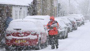 Cancelan vuelos en Heathrow ante previsión de nevadas