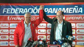 Américo El Tolo Gallego presentado oficialmente como DT de Panamá