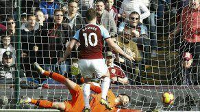 Pese a gol de Kane