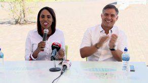 """Adolfo """"Beby"""" Valderrama anuncia a Edna Jaramillo como candidata a vicealcaldesa"""
