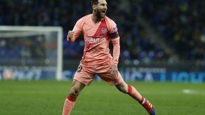 Messi destroza al Espanyol en el derbi y afianza al Barça como líder