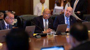 El Ministro de Economía y Finanzas propone aumentar la capacidad de endeudamiento del Gobierno
