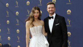 Jessica Biel y Justin Timberlake sacan a relucir su faceta más familiar en los Emmy