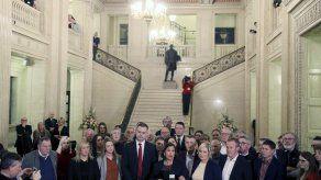 Legisladores norirlandeses regresan al trabajo tras 3 años