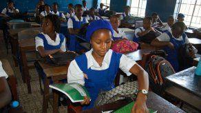 Corte africana ordena a Sierra Leona readmitir en escuelas a adolescentes embarazadas