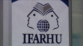 Ifarhu anunciará en los próximos días implementación del plan piloto de beca digital