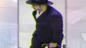 Policía está tras la pista de sujeto que robó 17 Rolex de joyería en Soho Mall