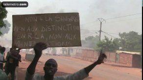Miles de musulmanes manifiestan en Bangui contra operación francesa