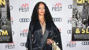 Rihanna echa el cierre a la división de lujo de su marca Fenty