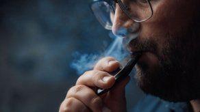 Nueva York ilegaliza los saborizantes de los cigarrillos electrónicos