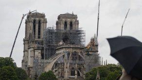 Reabren patio de la catedral de Notre Dame