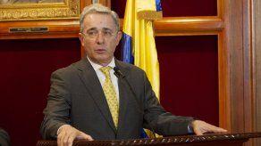 Expresidente Uribe comparece a Fiscalía