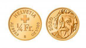 La moneda es de oro puro y muestra la icónica imagen de Albert Einstein sacando la lengua.