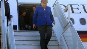 El avión de Merkel con destino a Argentina aterriza de emergencia en Colonia