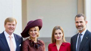 Los reyes saludan a los turistas alemanes de Mallorca: Welcome to Spain