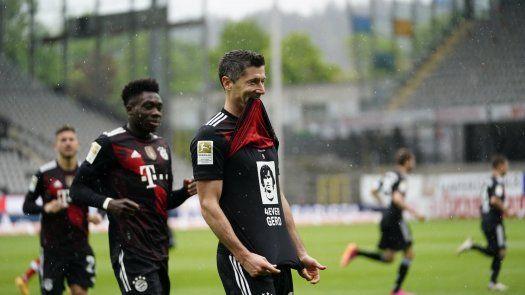 Lewandowski iguala récord de 40 goles en la Bundesliga