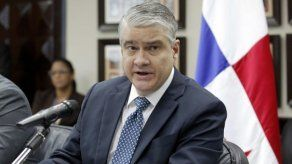 Exministro De La Guardia denuncia supuesto fraude financiero haciendo uso de su nombre
