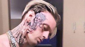 Aaron Carter quería que su tatuaje de Rihanna le cubriera todo el rostro