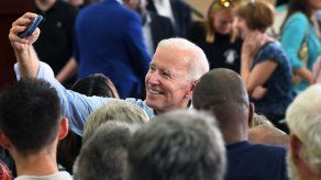 Biden visita prominente iglesia bautista en Carolina del Sur
