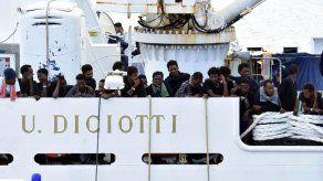 Agencia ONU pide poner fin a crisis de refugiados en barco