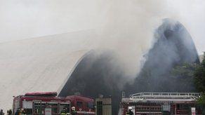 Dos bomberos heridos en incendio del Memorial de América Latina en Sao Paulo