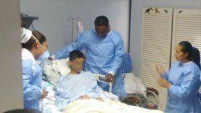Luis Tejada sorprende a paciente de cáncer en su cumpleaños