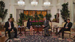 De Saint Malo continúa misión oficial en Singapur