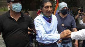 Ecuador: candidato indígena mantiene mínima diferencia