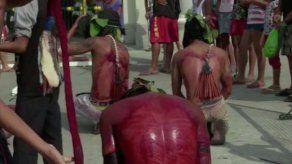 Cientos de filipinos emulan la pasión de Cristo en el Jueves Santo