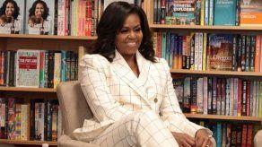Michelle Obama defiende diversidad de EEUU en polémica por dichos de Trump
