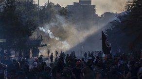 Víctimas de Pinochet se unen a manifestantes chilenos a los 3 meses de crisis