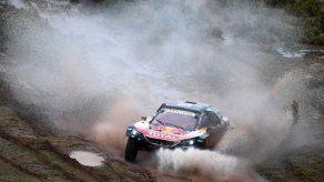 Peterhansel gana octava etapa del Rally Dakar; novena se cancela