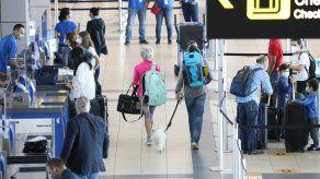 De acuerdo con Apatel, las restricciones impuestas a viajeros de Suramérica fueron inconsultas.