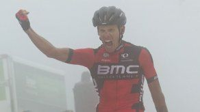 De Marchi gana en la niebla la etapa 14 de la Vuelta