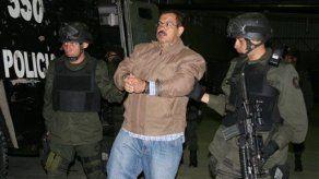 Ministro testificará por nexos con paramilitar colombiano