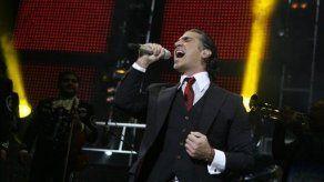 Alejandro Fernández muestra sus raíces con Hecho en México y anuncia gira