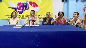 Piden la destitución de directores de centros educativos por retención de vacantes