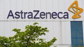 AstraZeneca entregó solo 29,8 millones de vacunas en el primer trimestre y prevé entregar solo 70 millones más en el segundo frente a los 300 millones de dosis prometidas.