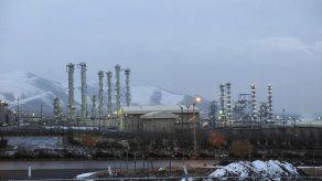 Francia pide a Irán cautela antes de negociaciones nucleares