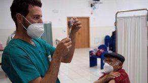 En cuanto a la campaña de vacunación contra covid, en Italia se han alcanzado las 23,162,051 dosis inyectada.