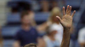Federer obtiene el tercer billete para el Masters de Londres