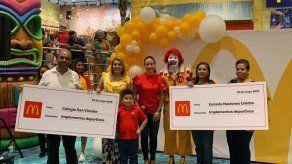 Arcos Dorados brinda apoyo a colegios de Barrio Colón en La Chorrera
