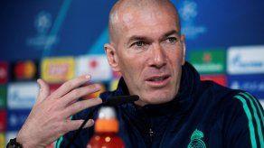 El técnico del Real Madrid Zinedine Zidane da positivo al covid-19