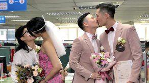 Taiwán registra 1ros matrimonios entre parejas homosexuales