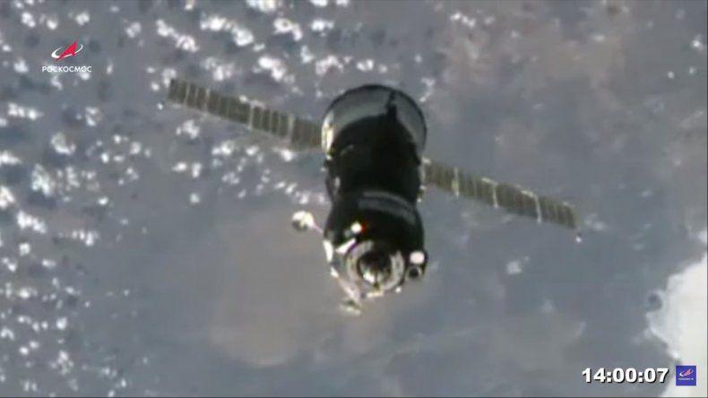 Los cosmonautas rusos y el astronauta estadounidense habían despegado este viernes rumbo a la ISS en una misión que conmemora el 60 aniversario del envío del primer hombre al espacio