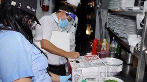 Dueños de restaurantes y bares denuncian persecución de autoridades de salud