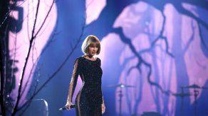 Swift inaugura los Grammy