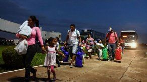 Reabren frontera Brasil-Venezuela en medio de disputa